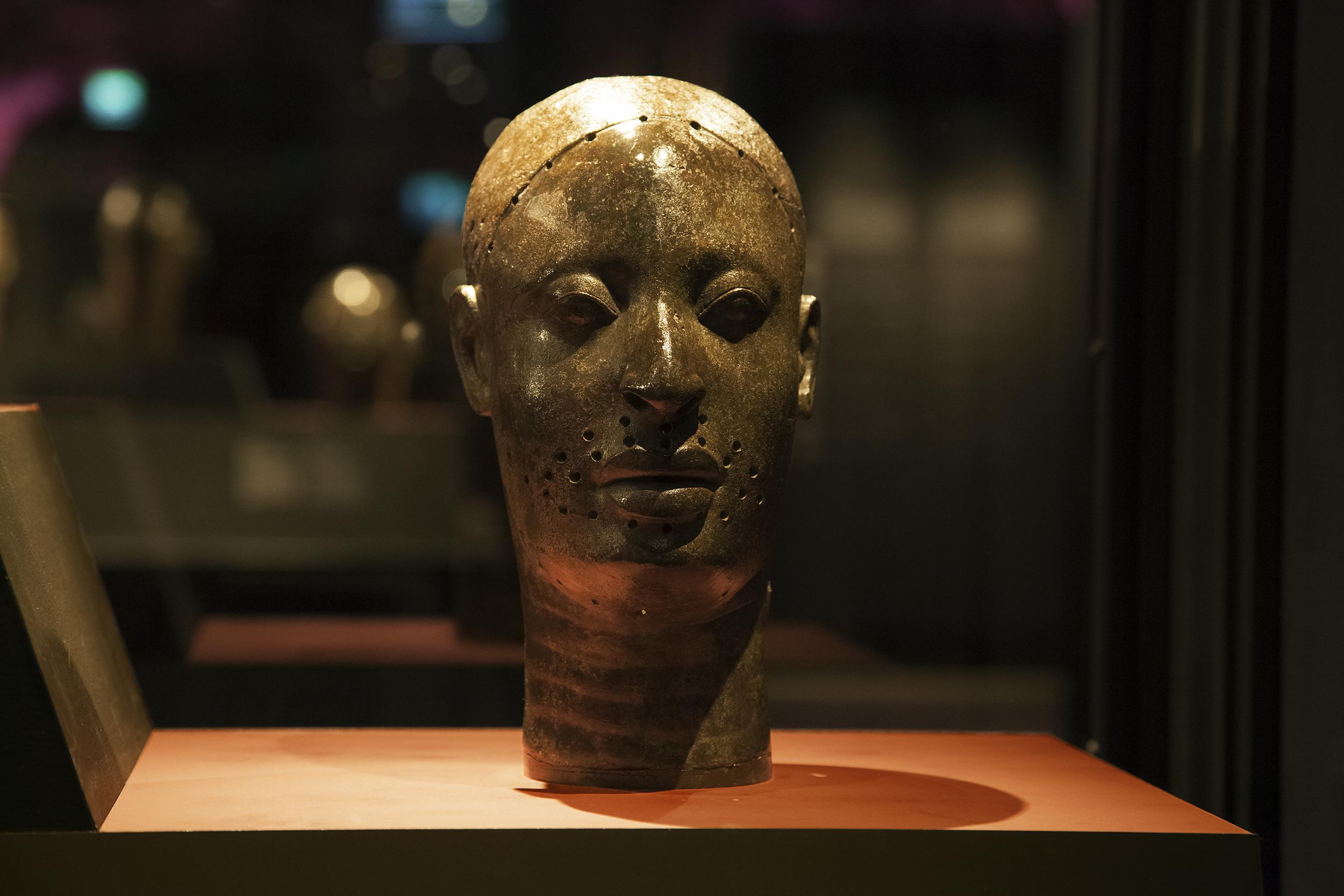 Benin Broze Head Stolen From Nigeria by British Soldiers