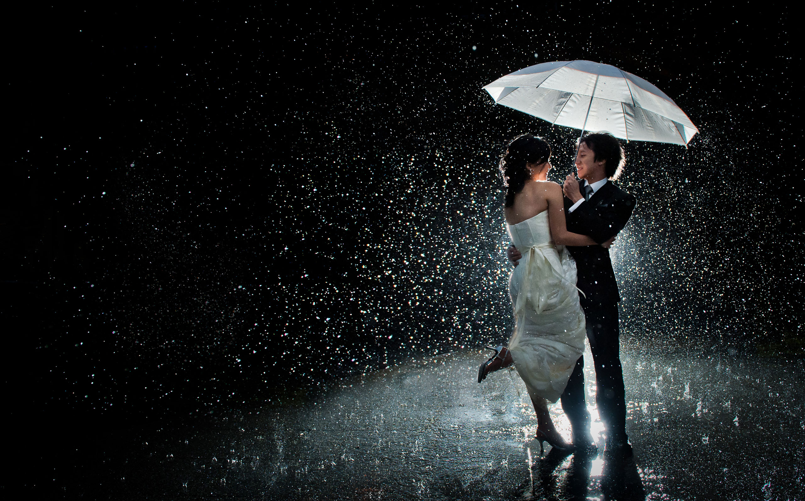 For Couples: 10 Entertaining Things To Do On A Rainy Day