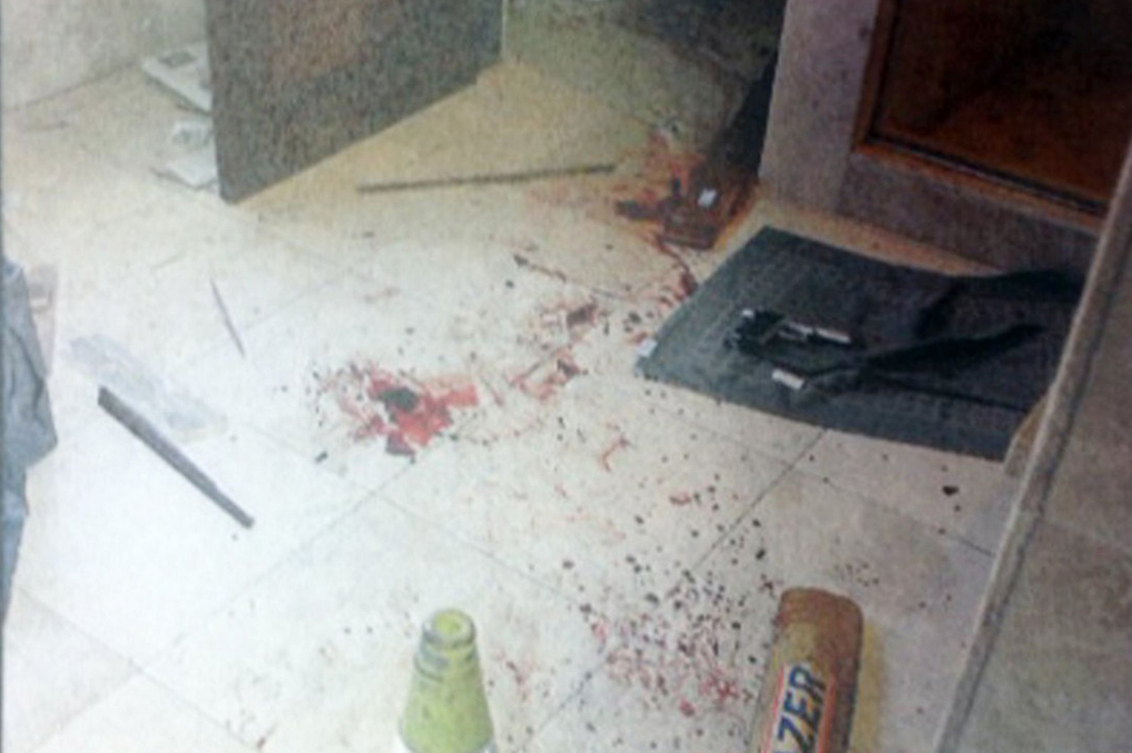 Oscar Pistorius Inside Bathroom Blade Runner Shot Girlfriend Reeva Steenk moreover Pictures Show Bloody Scene Oscar Pistorius Fatally Shot Girlfriend Article 1 in addition Shocking Photos Emerge Oscar Pistorious Crime Scene Graphic Images 2 likewise Steven Hayes Petit Home Invasion Killer Gives Chilling Interview furthermore Police Photographer Admits Bloodied Evidence Inside Oscar Pistoriuss Apartment Moved Officers Crucial Hours Fatal Shooting. on oscar pistorius crime scene evidence