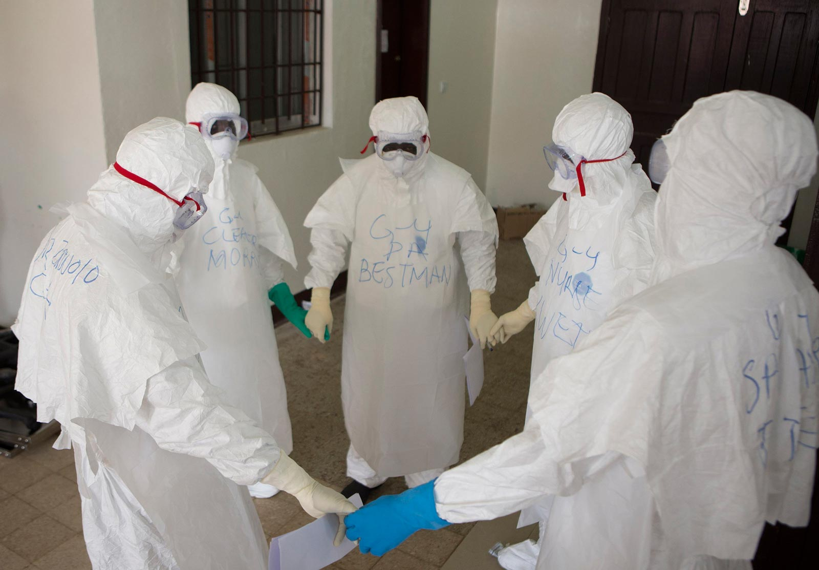 ebola outrage Three people with ebola fled a hospital in dr congo, two of whom died after returning home, doctors without borders (msf) said on wednesday between sunday may 20.