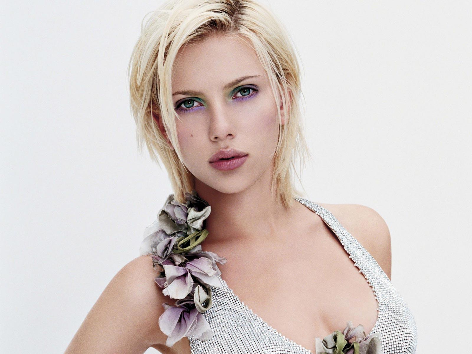 Scarlett johansson semi nude-4103