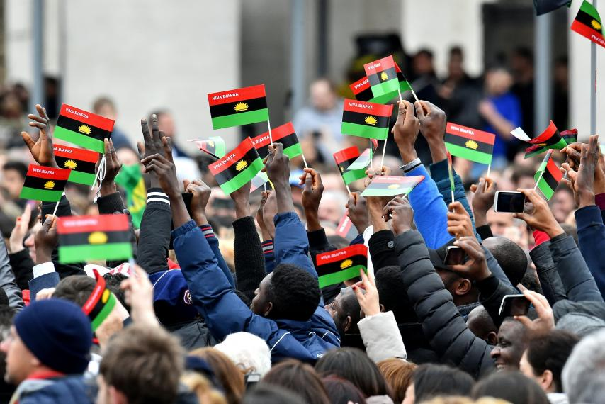 「Biafra rally st peter」的圖片搜尋結果