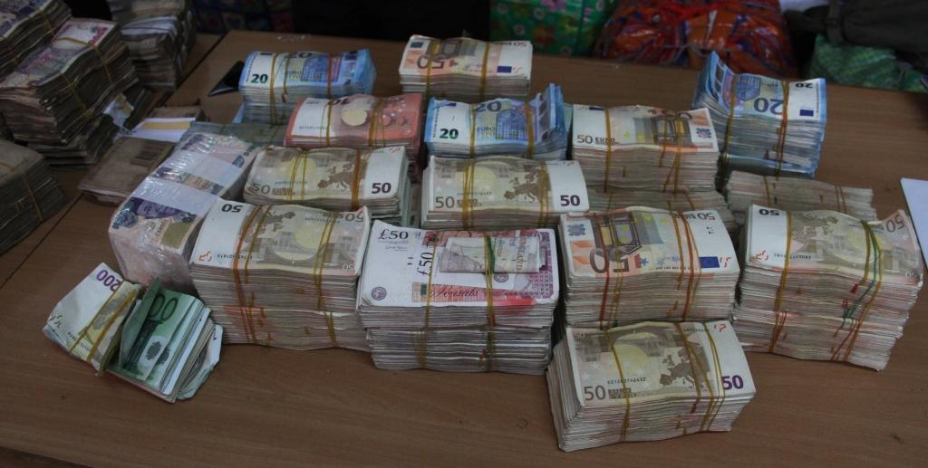 Image result for N250 Million Discovered By EFCC At Balogun Market